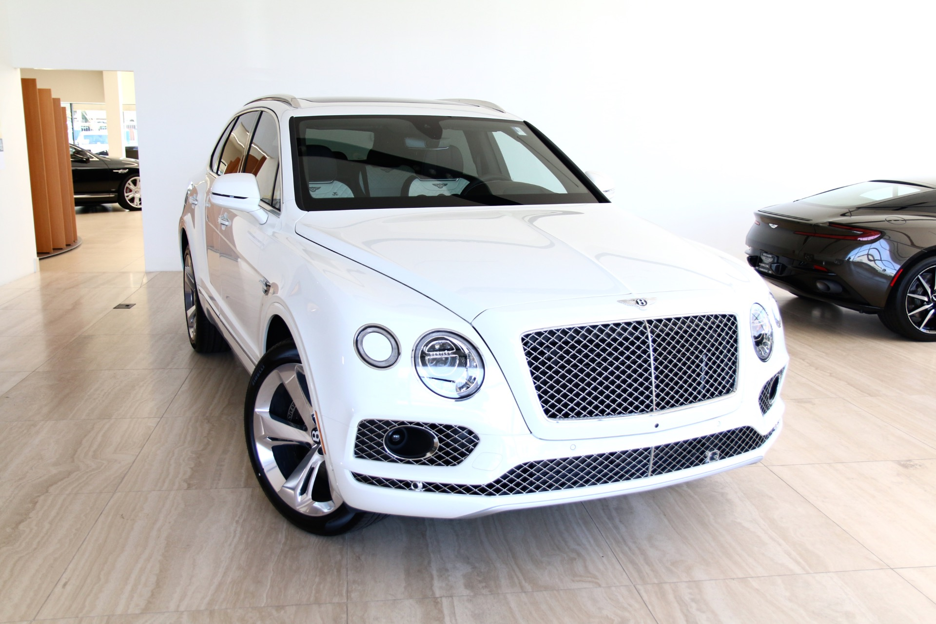 2018 Bentley Bentayga W12 Signature Edition Stock 8n019834 For