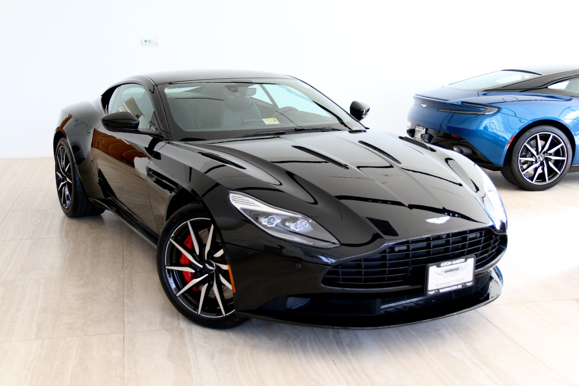 2018 aston martin db11 v12 stock 8l03667 for sale near vienna va va aston martin dealer for. Black Bedroom Furniture Sets. Home Design Ideas