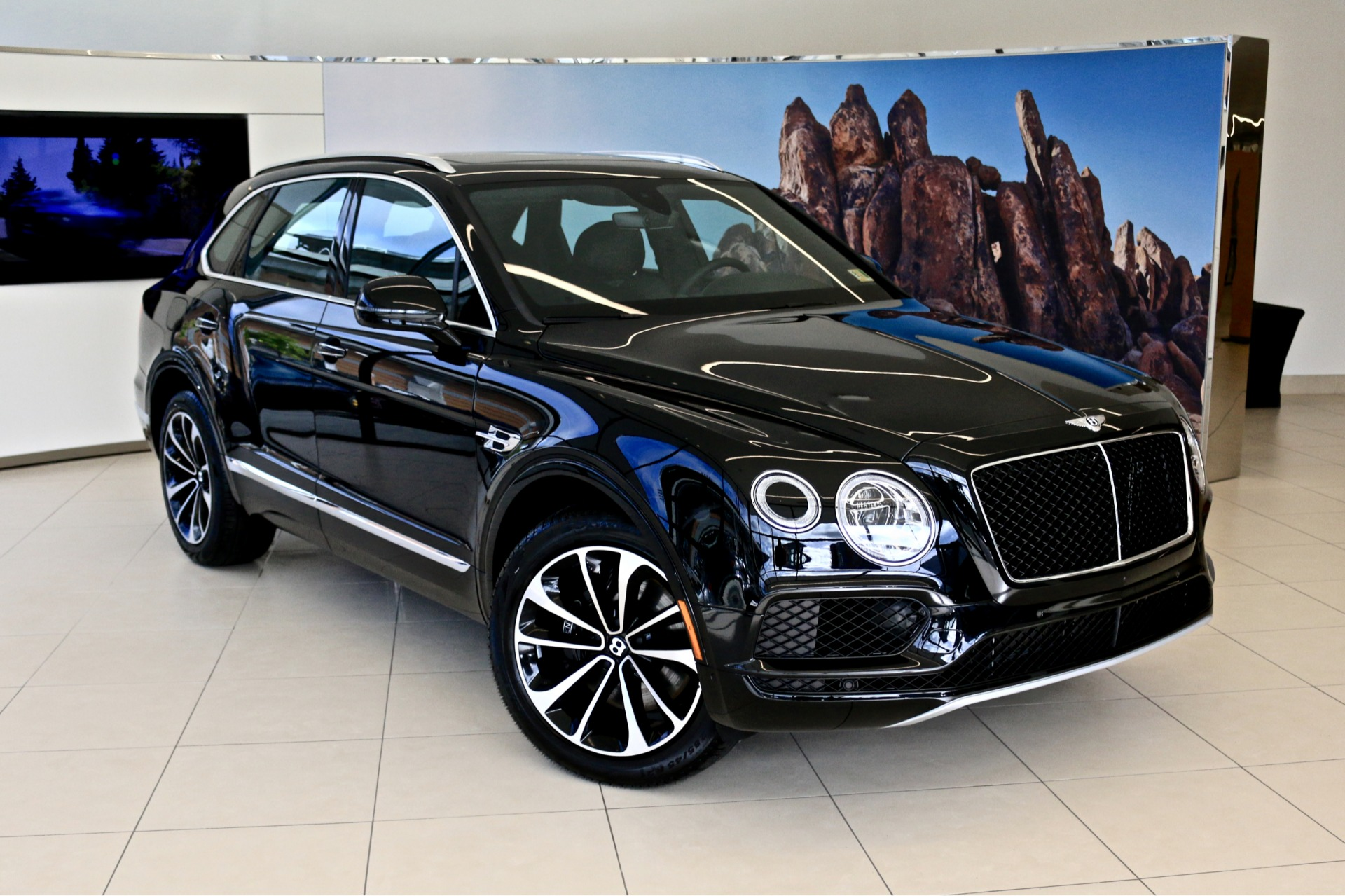 2019 Bentley Bentayga V8 Stock 9n024291 For Sale Near Vienna Va Va Bentley Dealer For Sale In Vienna Va 9n024291 Exclusive Automotive Group