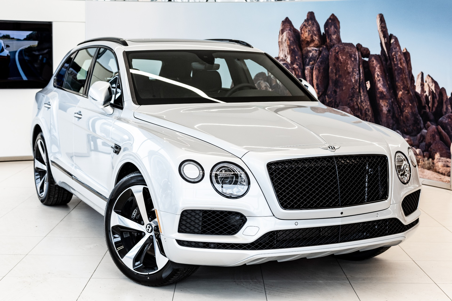 New 2019 Bentley Bentayga Mulliner | Vienna, VA