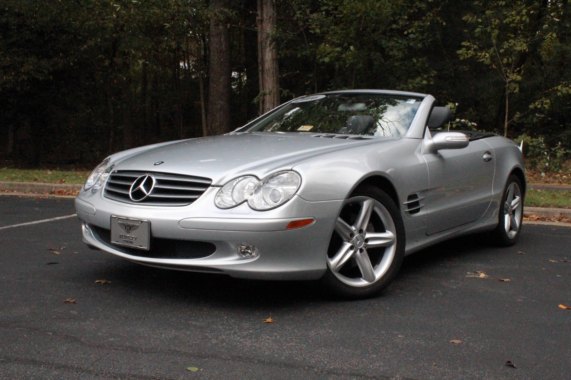 2006 mercedes benz sl class stock p111676 for sale near for Mercedes benz dealers in va