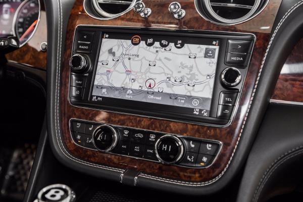 Used 2018 Bentley Bentayga  | Vienna, VA