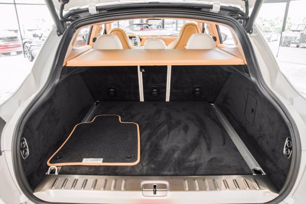 Used 2021 Aston Martin DBX  | Vienna, VA