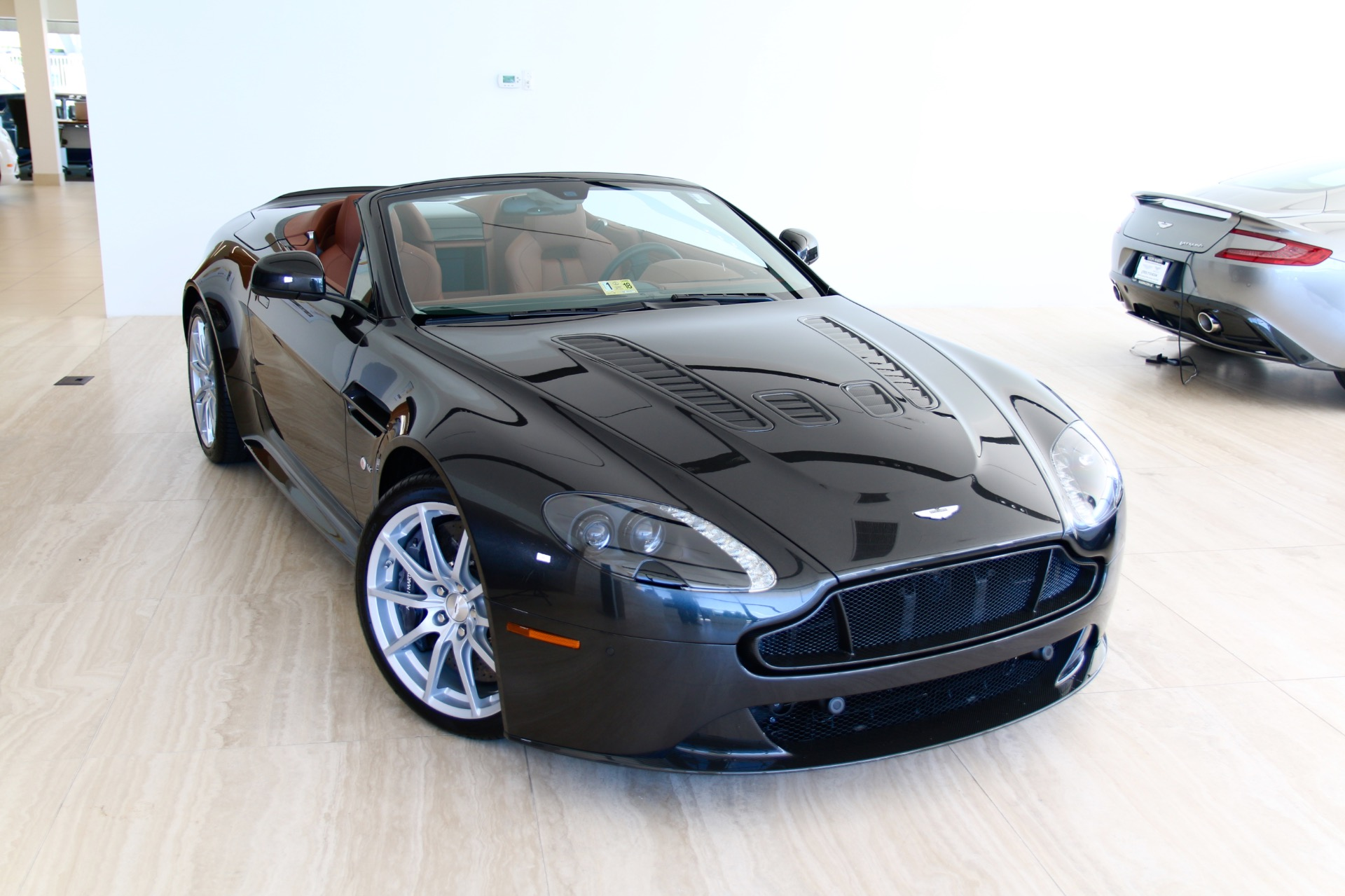 2017 aston martin v12 vantage s roadster stock 7ns22862 for sale near vienna va va aston. Black Bedroom Furniture Sets. Home Design Ideas